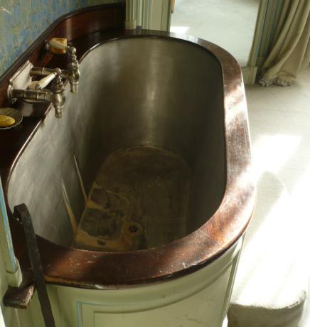 Pourquoi Une Baignoire Verticale Est Elle Un Choix De Deco Parfait Pour La Salle De Bain